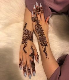 Henna Hand Designs, Eid Mehndi Designs, Pretty Henna Designs, Modern Henna Designs, Mehndi Designs Finger, Henna Tattoo Designs Simple, Floral Henna Designs, Indian Henna Designs, Mehndi Design Photos