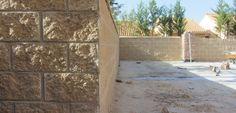 Propuesta de cerramiento de patio con bloque de hormigón 40x20x20cm tipo split color a elegir