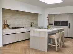 Marble Suppliers, Beige Marble, Studio Kitchen, Kitchen Stories, Garden Architecture, Commercial Interiors, Natural Materials, Minimalist Design, Modern
