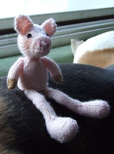 Knitted piggy
