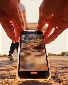 Photography Tips Iphone, Creative Portrait Photography, Portrait Photography Poses, Photography Basics, Photography Lessons, Photography Editing, Slow Motion Photography, Professional Photography, Perspective Photography