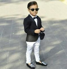 Black Boys Suits Slim Peaked Lapel One Button Fit Boy's Tuxedo Kids Formal Dress Suit Set (Jacket+Pants+Bow) Fashion Kids, Toddler Boy Fashion, Little Boy Fashion, Little Boy Outfits, Toddler Outfits, Baby Boy Outfits, Baby Boy Dress, Baby Boy Swag, Outfits Niños