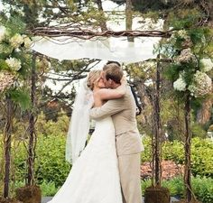 Imagine this, only in the fall and in an apple orchard. This is a sneak peak at my dream wedding.