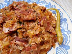 CAIETUL CU RETETE: Varza dulce cu kaizer afumat Romanian Food, Romanian Recipes, Cooking Recipes, Healthy Recipes, Cabbage Recipes, Tasty Dishes, No Cook Meals, Good Food, Food And Drink
