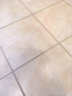 Dealing with dirty grout? Check out the easiest way to clean grout. See how to clean grout without a lot of scrubbing. Your grout will look like new again! Cleaning Floor Grout, Clean Grout, Cleaning Diy, House Cleaning Tips, Tile Grout Cleaner, Shower Cleaner, Handy Tips, Helpful Hints, Clean Shower Doors