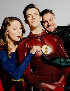 Grant Gustin, Melissa Benoist, and Stephen Amell. The Flash, Supergirl, and Green Arrow! Supergirl Dc, Supergirl And Flash, Marvel Dc, Arrow Flash, Series Dc, Dc Comics, Cw Crossover, Avengers, Super Girls