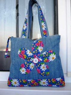 Jeans bag models – Diy and Crafts Diy Bags Purses, Denim Purse, Tote Bags Handmade, Denim Crafts, Patchwork Bags, Denim Patchwork, Fabric Bags, Cute Bags, Bag Making