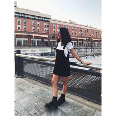 "190 Me gusta, 6 comentarios - INÉS RUEDA (@inesirr) en Instagram: ""NEW LOCATION 📍"""