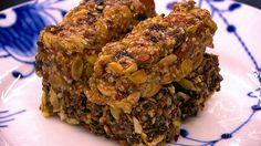 Quinoabarer med peanutbutter, mandler og kerner