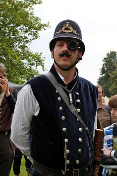hildekitten:    Steampunk police officer  Elf Fantasy Fair - Arcen - The Netherlands - 15.09.2012
