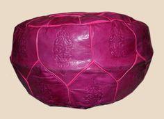 Fucsia roze handgemaakte leren poef. Zie onze website www.puurorient.nl #puurorient
