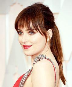 dakota johnson hair | Dakota Johnson's Ponytail Photo - Oscars 2015 Beauty Breakdown: Red ...