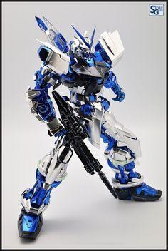 PG 1/60 Gundam Astray [Red Frame] Ver.Blue Frame Extra Finish Coating. Full Photoreview No.47 Full Size Images http://www.gunjap.net/site/?p=228022