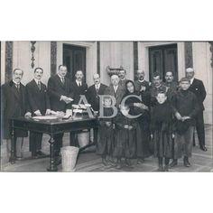 1919 Entrega donativos viuda bombero muerto acto servicio