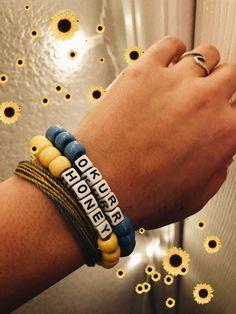 See more of teenager-republish's VSCO. Pony Bead Bracelets, Beaded Braclets, Kandi Bracelets, Friendship Bracelets With Beads, Trendy Bracelets, Summer Bracelets, Bracelet Crafts, Pony Beads, Bracelets For Men