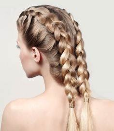 The French braid is very simple to do and also looks perfect for any kind of outfit. Thanks to these French braid hairstyles all eyes will be in your hair and you. Here are beautiful and unique french braid hairstyles. Ghana Braids Hairstyles, French Braid Hairstyles, African Hairstyles, Summer Hairstyles, Braided Hairstyles, Hairstyles Videos, Two French Braids, Dutch Braids, Fishtail Braids