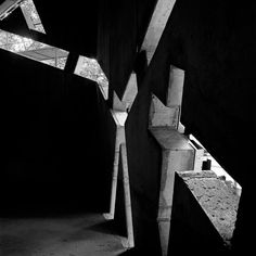 Museo Judío de Berlín, Daniel Libeskind, Sin título 7, julio de 1997. Fotografía © Hélène Binet. Cortesía de Hélène Binet, via Museo ICO.