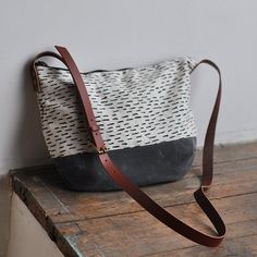DAY BAG rain/wax van bookhouathome op Etsy, $85.00
