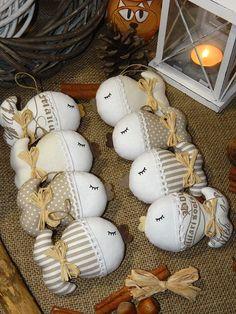 Vánoce (s)něžné - kapříci / Zboží prodejce kajrka | Fler.cz Fabric Fish, Fabric Birds, Handmade Christmas Decorations, Christmas Crafts, Christmas Ornaments, Diy Craft Projects, Diy Crafts For Kids, Sewing Toys, Sewing Crafts