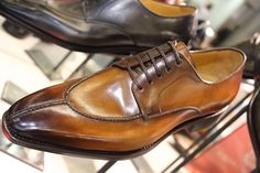 Paolo Scafora @ Pitti Uomo are some very nice shoes . Sock Shoes, Men's Shoes, Shoe Boots, Dress Shoes, Shoes Men, Saint Crispin, Mode Masculine, Leather Heels, Leather Men