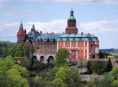 Schloss Fürstenstein (Zamek Książ) in Waldenburg (Wałbrzych), das größte Schloss…