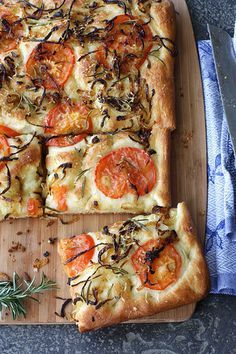 focaccia with caramelized onion, tomato, and rosemary