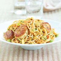 Lo Mein Salad with Peanut Sauce: Made this warm with pan seared scallops...delish!