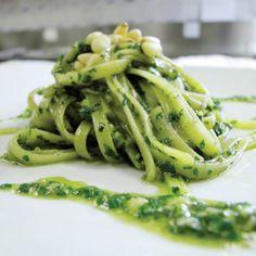 Pastapesto Pesto, Italian Recipes, Asparagus, Green Beans, Vegetarian Recipes, Spaghetti, Vegetables, Cooking, Ethnic Recipes