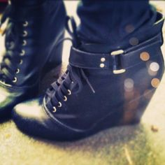 buckle wedge shoes :)