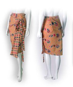 rok batik^^ Batik Kebaya, Batik Dress, Batik Fashion, Skirt Fashion, Rok Batik Modern, Model Rok, Modern Kebaya, Simple Dresses, Pretty Dresses
