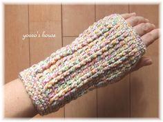 *かぎ針編み*アームウォーマー Crochet Hood, Crochet Mittens, Crochet Gloves, Crochet Arm Warmers, Ear Warmers, Lace Knitting, Fingerless Gloves, Crochet Projects, Sewing