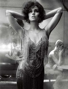20s can be curvy as well!!! Katy Perry does Flapper