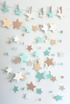 Minze, Schimmergold und Elfenbeinstern-Papiergirlande Mint, Shimmer Gold and Ivory Star Paper Garland Baby Shower Photo Booth, Baby Shower Backdrop, Baby Shower Photos, Baby Shower Table Decorations, Baby Decor, Garden Decorations, Paper Decorations, Baby Room Curtains, Baby Shower Themes Neutral