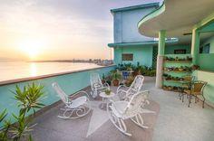 RHPLZ75 3BR/3BT Ocean view Penthouse 503 in Vedado – VIP2Cuba