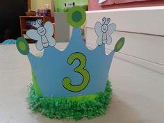 Kroontje van de vlinderklas Preschool Crafts, Crafts For Kids, 50th Birthday, Happy Birthday, Paper Crowns, Petite Section, Crazy Hats, Kids Hats, Origami