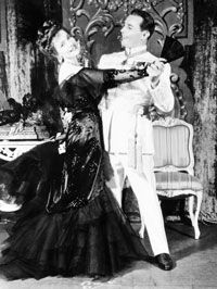 Marta Eggerth and Jan Kiepura in   the Merry Widow, 1944