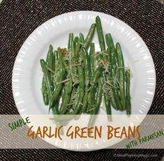 A simple garlic green beans recipe comes together with fresh green beans and Parmesan cheese for a delicious side dish recipe to add to just about any meal. Savory Snacks, Healthy Snacks, Healthy Eating, Healthy Recipes, Green Bean Recipes, Beans Recipes, Garlic Green Beans, Food Dishes, Side Dishes
