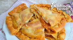 Soğan Böreği Tarifi en nefis nasıl yapılır? Kendi yaptığımız Soğan Böreği Tarifi'nin malzemeleri, kolay resimli anlatımı ve detaylı yapılışını bu yazımızda okuyabilirsiniz. Aşçımız: Beyhan'ın Mutfağı Snack Recipes, Snacks, Turkish Recipes, Apple Pie, Food And Drink, Chips, Cooking, Cake, Desserts