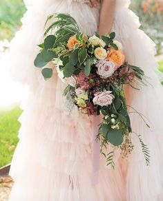 Relaxed and wild bride bouquet Bride Bouquets, Tulle, Bridal Bouquets, Tutu, Mesh, Tulle Skirts