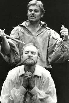 1978 - Derek Jacobi as Hamlet and Julian Glover as the King of Denmark in 'Hamlet' at the Old Vic with Derek Jacobi as the Prince. Photograph: Ken Towner/Associated Newspapers/Rex Features
