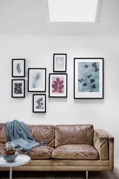 Home Decoration Ideas and Design Architecture. DIY and Crafts for your home renovation projects. Living Room Inspiration, Interior Inspiration, Living Room Designs, Living Spaces, Sofa Styling, Vintage Sofa, Botanical Prints, Home And Living, Home Office