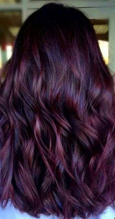Are you looking for Dark Hair Color For Red Burgundy Violet Purple Hair Colors? See our collection full of Dark Hair Color For Red Burgundy Violet Purple Hair Colors and get inspired! Hair Color Highlights, Hair Color Balayage, Ombre Hair, Burgundy Highlights, Dark Red Balayage, Haircolor, Balayage Brunette, Brunette Hair, Hair Color Purple