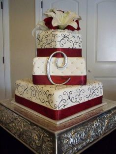 The colors my wedding is going to be! I would LOVE this cake!!<3