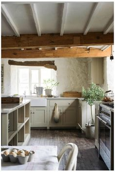 English Country Kitchens, Country Kitchen Designs, Rustic Kitchen Design, Interior Design Kitchen, English Country Style, Kitchen Country, Simple Interior, Vintage Country, Modern Country