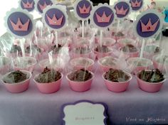 Sleeping Beauty party - Crown pins