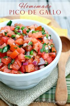 I'm a huge fan of fresh pico de gallo! Luckily, it's pretty easy to make it yourself, if you don't mind a little bit de gallo Homemade Pico de Gallo Dip Recipes, Mexican Food Recipes, Cooking Recipes, Healthy Recipes, Healthy Meals, Recipies, Mexican Dishes, Ketchup, Food Dishes