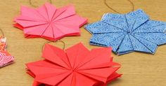 Adeline Klam est une créatrice spécialisée dans le papier japonais. Elle nous apprend à fabriquer une jolie étoile en origami que vous pourrez accrocher aux branches de votre sapin de Noël. Un tuto facile à réaliser avec vos enfants!