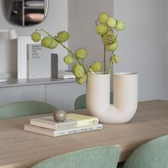 Saturdays at home. There are a lot more of them for more of us at the moment. Find the little ways to make each one special. 💚 . The Kink Vase brings a contemporary form to the archetypal flower vase through a combination of traditional craftsmanship and playful design language. With its double opening, the Kink Vase adds a sculptural sentiment to the room, even when not in use. The design is made in porcelain that has been glazed on the inside for a refined touch.