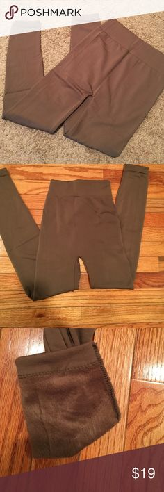 Fleece leggings 1 size fits most OLIVE fleece legging 1 size fits most. These are the most comfortable leggings I have ever worn. They do stretch  A LOT. Other