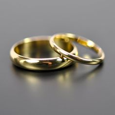 18K Yellow Gold Classic Wedding Band Set by seababejewelry on Etsy, $662.00